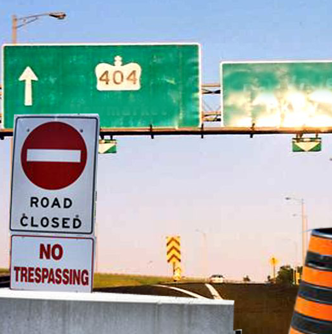 hwy 404 road closed